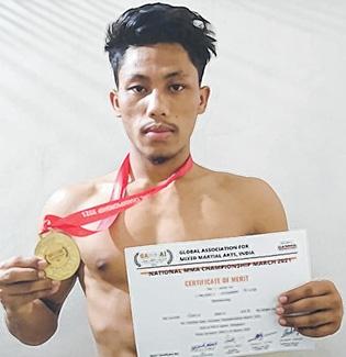 L Chourajit bags MMA gold