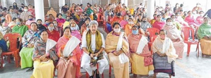 Nishikant Singh honours 300 women on Intl Women's Day
