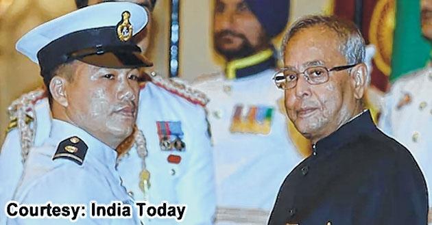 Kovind, Modi lead in payi